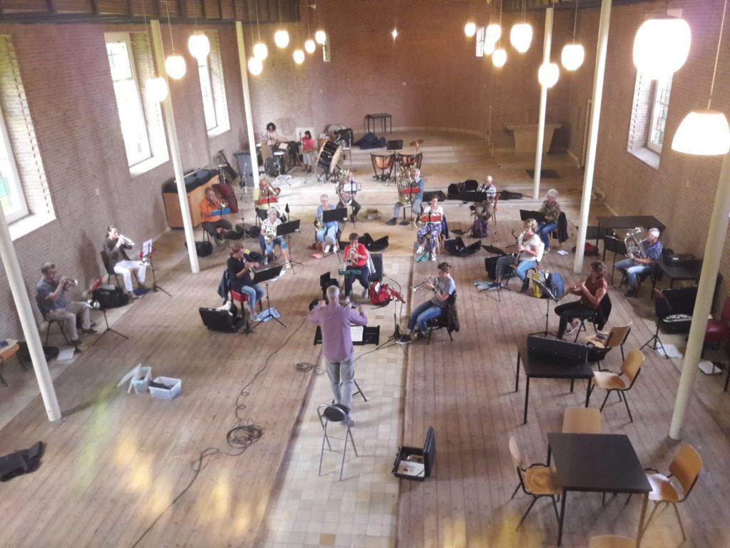 MFO oefent in de voormalige RK kerk.